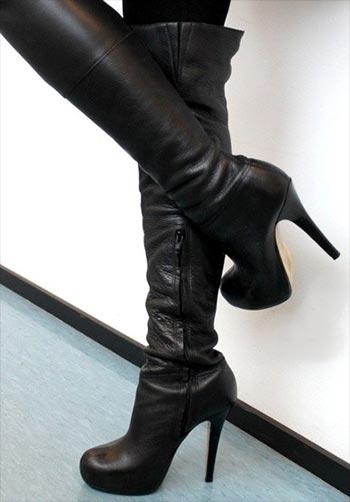 Werde Sklave meiner Stiefel, habe viele zur Auswahl, was ist dein Favorit? Stiletto Absätze bis extrem Plateau!